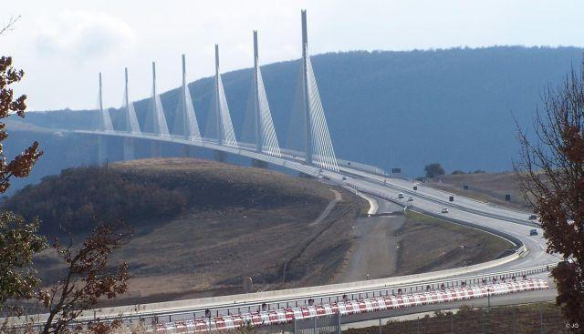 Le Viaduc de Millau: The World's Highest Bridge